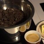 fondre au bain-marie le chocolat, le beurre et le café
