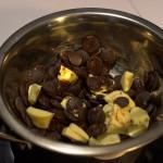 fondre au bain-marie le beurre, le chocolat et le café