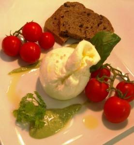 Mozzarella Buratina tomates cerise et pistou