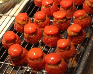 Crostini Bruschetta de tomates cocktail farcies comme en Provence