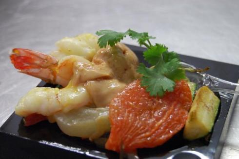 Terre mer cuisine du monde crevettes canard et l gumes for Cuisinier wok