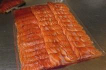 Saumon mariné fenouil poivre en rouleaux