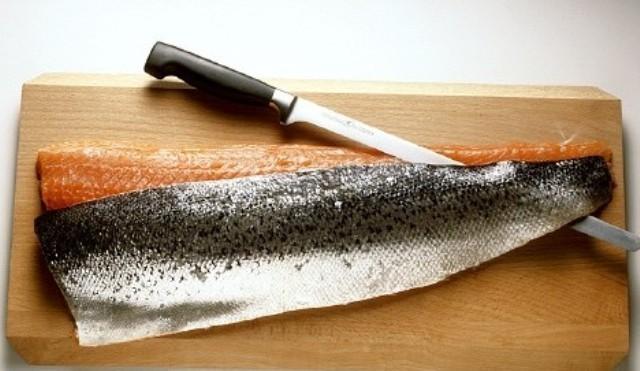 Saumon marin en gravlax fenouil graines et poivre for Cuisinier sel