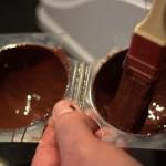 étaler le chocolat au pinceau