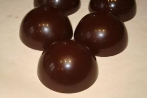 Coques chocolat terminées