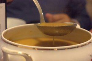 Une bonne soupière de bouillon